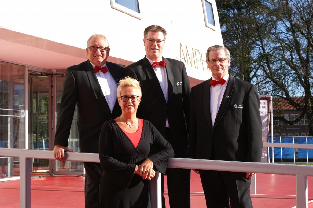 van links naar rechts Ronald Pastoor, Gonny Pastoor, Niels Berendsen en André Slutter