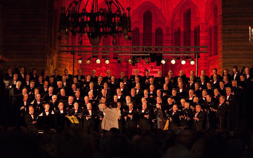 Jubileum Kerstconcert Etten, het EMK samen met Iris Kroes